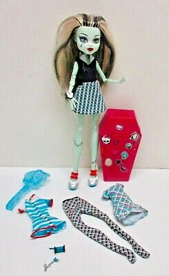 Monster High Classroom Playset & Frankie Stein Doll