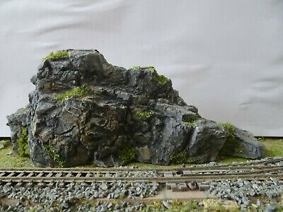 RS 6 N GAUGE TRACK SIDE SCENERY TWO INDIVIDUAL ROCK TERRAIN PIECES....