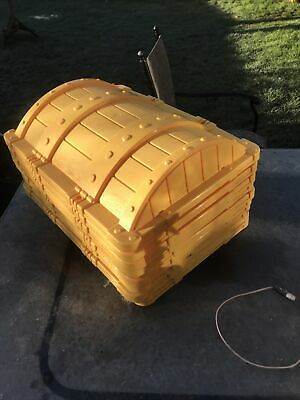 10 Yellow Plastic Whitefurze Captains Treasure Chest Kids Pirate Lids Project
