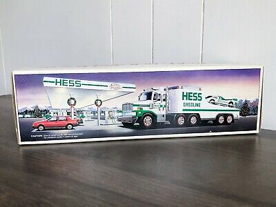 """1988 Hess """"Toy Truck and Racer"""" Vintage Rare Gas Station"""