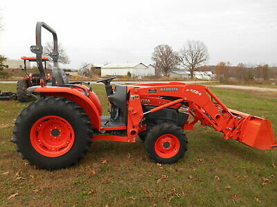 L3940D Kubota 4wd Tractor with Loader/2011 Model/605 Hours