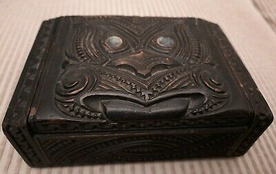 Vintage Maori New Zealand Tiki Hand Carved Dark Wood Box With Paua Shell Inlay