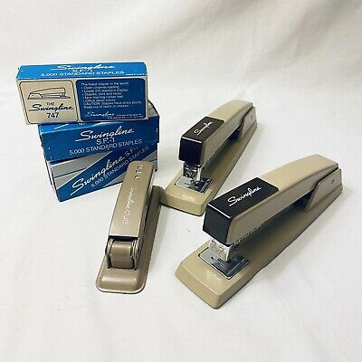 3 Swingline Stapler 1970s With 747 And SF1 Staples Packs. In Perfect Condition