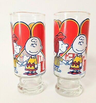 Peanuts 1966 Vintage Glasses Charlie Brown Peppermint Patty Snoopy Love Heart