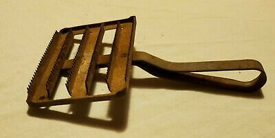 Curry currie Brush comb all metal vintage horse antique unbranded