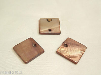 10 x Natural Dyed Shell Pendants:BNSP139 Caramel Square