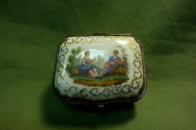 MEISSEN HINGED PORCELAIN BOX - HAND PAINTED FIGURAL