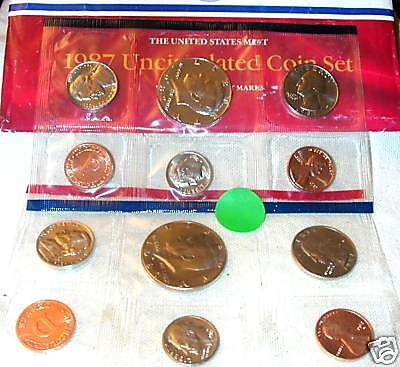 1987 P & D 10 Coin US Mint Set in the Original Government Envelope