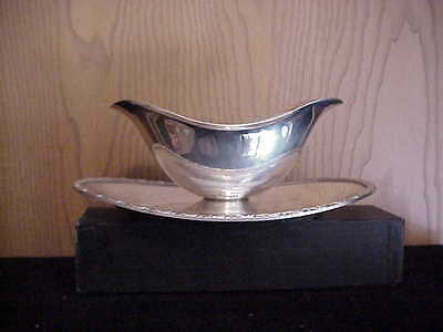 Silverplategravy Or Sauce Boat W/ Attached Tray