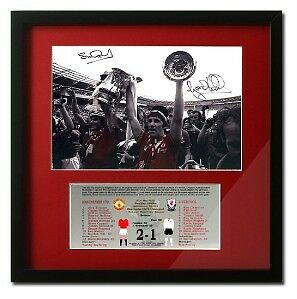 Manchester Man Utd 1977 FA Cup Final Hand Signed Pres.