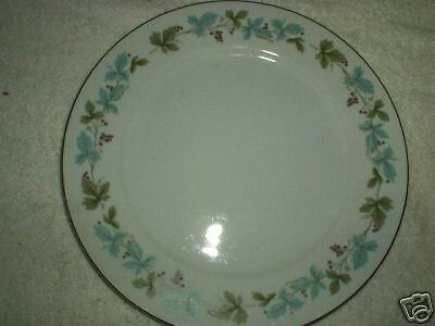 """Vintage China Made in Japan 3 - 10 1/2"""" Dinner Plates"""
