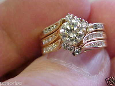 Beautiful Diamond Estate Ring size  4-1/2   Make Offer