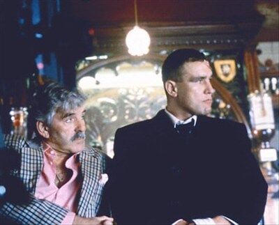 DENNIS FARINA, VINNIE JONES SNATCH. 8X10 PHOTO wonderful photo 278286
