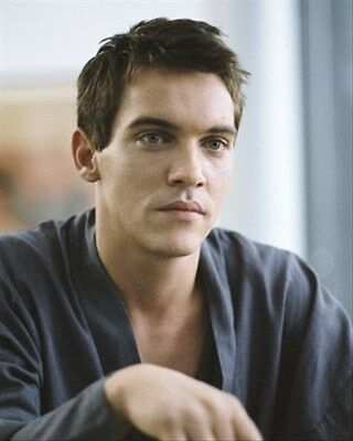 JONATHAN RHYS-MEYERS 8X10 PHOTO stellar image 270703