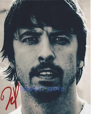 DAVE GROHL SIGNED 10x8 PP PHOTO foo fighter nirvana