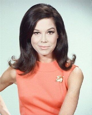 """MARY TYLER MOORE AS MARY RICHARDS F Poster Print 24x20"""""""