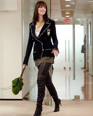 ANNE HATHAWAY 8x10 Photo great image 273180