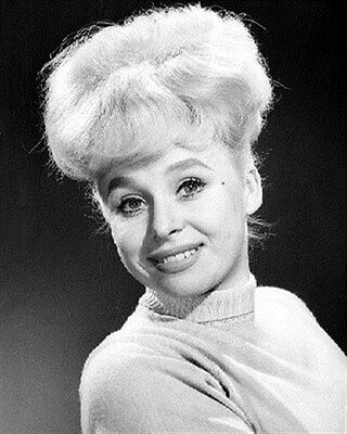 BARBARA WINDSOR 8x10 Photo nice pic 173311