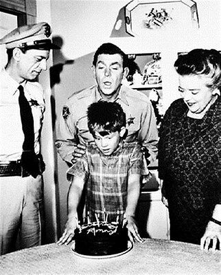 ANDY GRIFFITH AS SHERIFF ANDY TAYLOR FROM TH 8x10 Photo