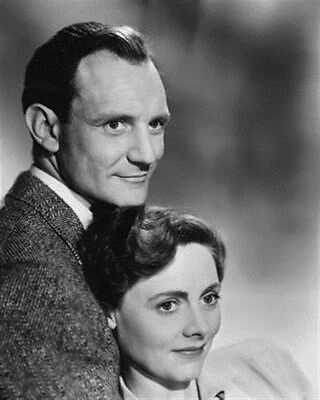 TREVOR HOWARD AS DR. ALEC HARVEY, CELIA JOHN 8x10 Photo