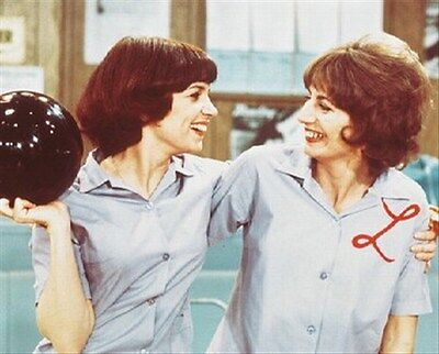 """LAVERNE & SHIRLEY TELEVISION PHOTO Poster Print 24x20"""" iconic photo 244897"""