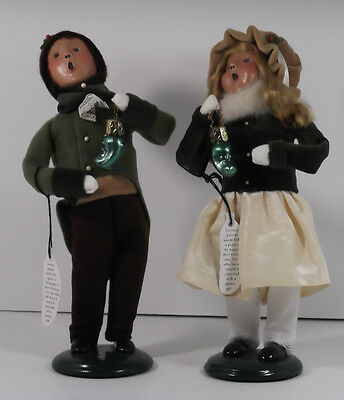 1999 Byers Choice Carolers Girl & Boy Holding Pickle Ornament/decoration, Signed