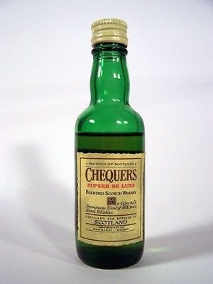 Miniature circa 1976 Chequers De Luxe Whisky Isle of Wine