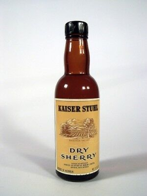 Miniature circa 1969 Kaiser Stuhl Dry Sherry Isle of Wine