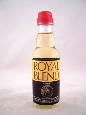 Miniature circa 1976 Royal Blend Liquore Secco Isle of Wine