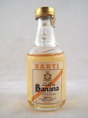 Miniature circa 1976 Sarti Crme de Banana Isle of Wine