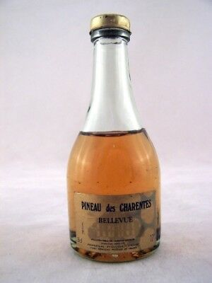 Miniature circa 1979 Pineau Des Charentes Bellevue Isle of Wine