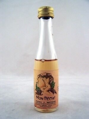 Miniature circa 1974 Bertrand Mon Peche Isle of Wine