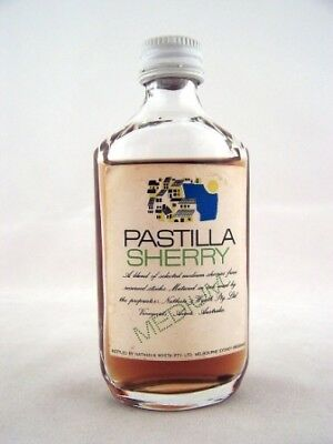 Miniature circa 1969 Pastilla Medium Sherry Isle of Wine