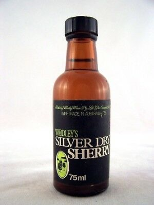 Miniature circa 1975 Woodleys Silver Dry Sherry Isle of Wine