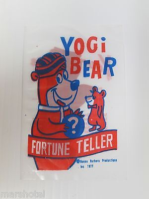 "Yogi Bear & Huckleberry Hound Fortune Teller ""fish"" Hanna Barbera 1977 Deal/12"