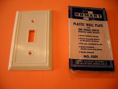 Vintage NOS IVORY Thin Ribbed Switch Plate Cover Bakelite HOMART #5301