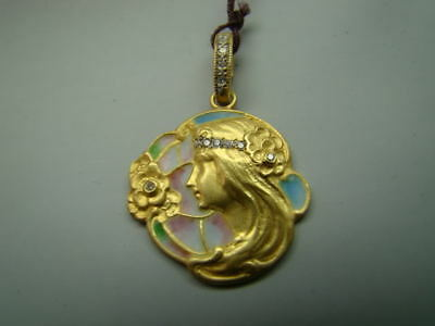 BEAUTIFUL 18K Art Nouveau style pendant with enamel