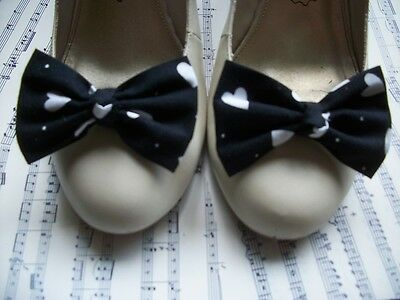 New Pair Black White Love Heart Print Cotton Fabric Bow Shoe Clips Retro Style