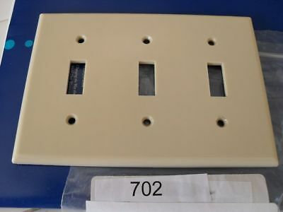 VINTAGE Ivory Bakelite Triple Three 3 SWITCH Wall Plate Cover Leviton