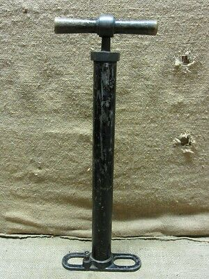 Vintage Wood & Cast Iron Air Pump > Antique Old Pumps Garden Auto 7152