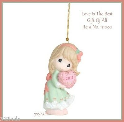 2011 Precious Moments LOVE IS THE BEST GIFT OF ALL Ornament #111002 Girl w/Heart