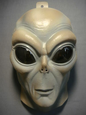 Alien Mask Pvc Mask Glows In The Dark Adult Size