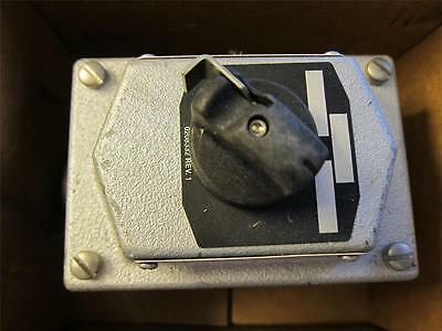 NEW Cooper Crouse Hinds Explosion Proof Selector Switch Station EDS21273