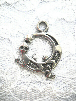 New Tribal Round Shaped Tropical Gecko Lizard Pewter Pendant Adj String Necklace