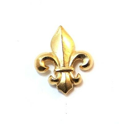 Fleur de Lis Pin Badge in Gold Plated English Pewter, Handmade (WA)