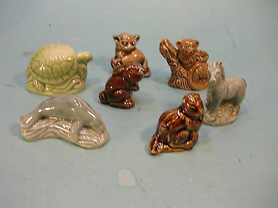 Mixed LOT of 7 WADE WHIMSIE ANIMALS