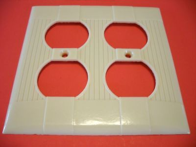 Vintage NOS IVORY DOUBLE OUTLET Wall PLATE COVER Ribbed Bakelite Eagle Brand