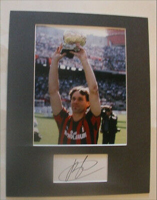 MARCO VAN BASTEN AC Milan Photo/Signed Index Card MATTED Display Auto COA