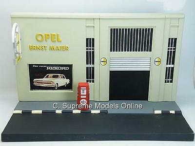 Service Station Garage Diorama Model Opel + Sign/pump Resin Version T3412X{:}