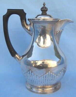 Walker & Hall 1909 English Sterling Silver Fine Teapot   MAGNIFICENT